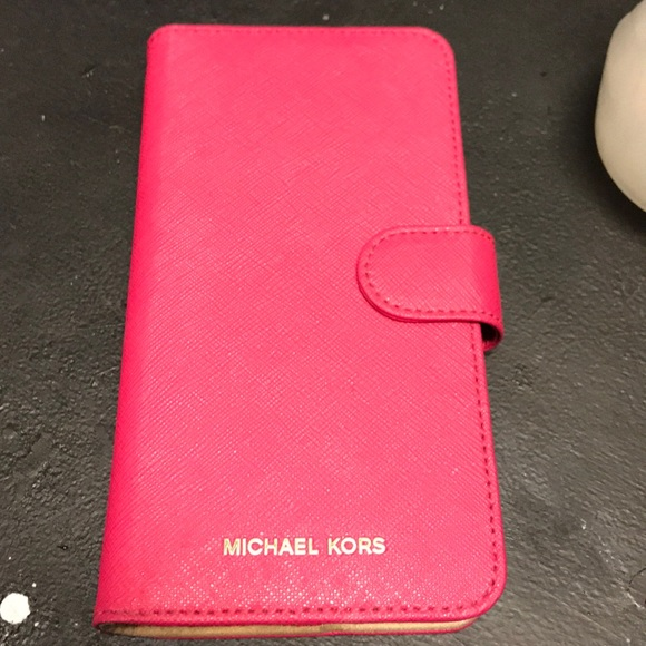 new styles c2c80 807e9 Michael kors iPhone 7 Plus or 8 Plus wallet case